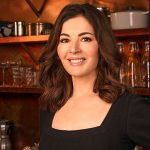 Headshot of Nigella Lawson